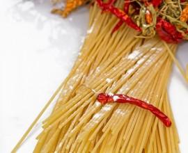 Pasta, aglio, olio e peperoncino