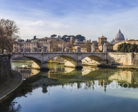 Rome, view of Vittorio Emanuele II bridge